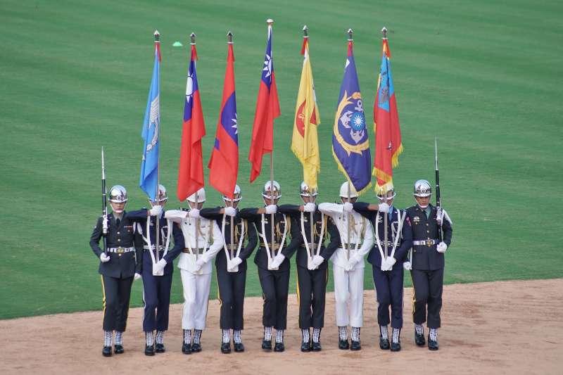 20190727-中華職棒明星賽,邀請三軍儀隊蒞臨表演。(盧逸峰攝)