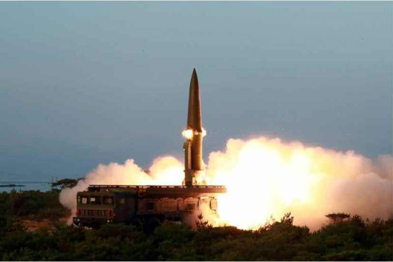 被稱為「KN-23」或「朝鮮版伊斯坎德爾」的新式戰術制導武器。(勞動新聞)