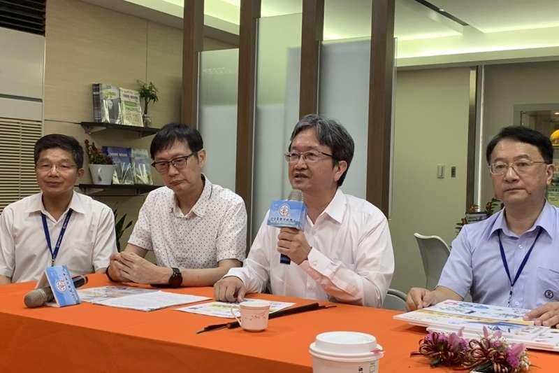 20190729-台電今(2019)年啟動能源診斷服務計畫;左三為台電副總王耀庭。(尹俞歡攝)