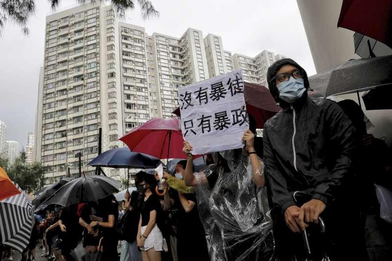 受到香港「反送中」抗爭持續擴大、罷工影響,截至5日早上6時,約有170班離港及抵港航班取消。(資料照,美聯社)