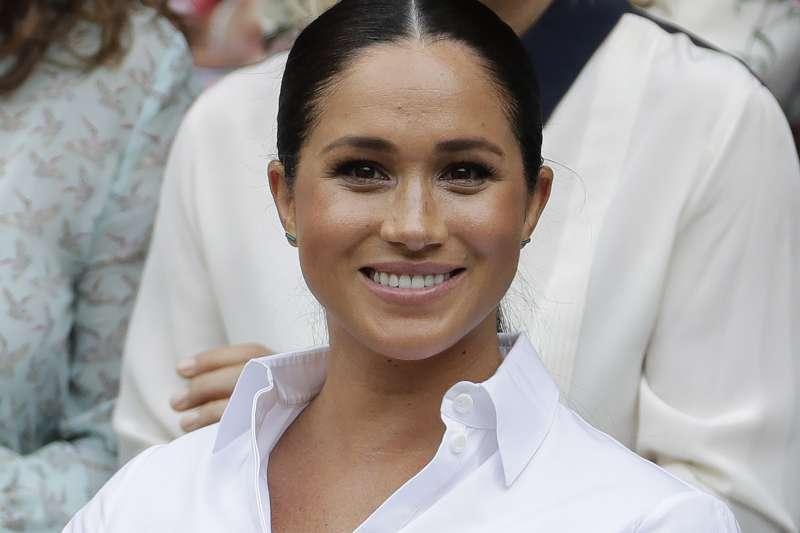 哈利的妻子梅根為英國《時尚》雜誌九月號的客座編輯。(AP)