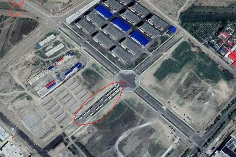 伊犁境內的再教育營衛星圖片。(RFA/阿塔珠爾特志願者提供)