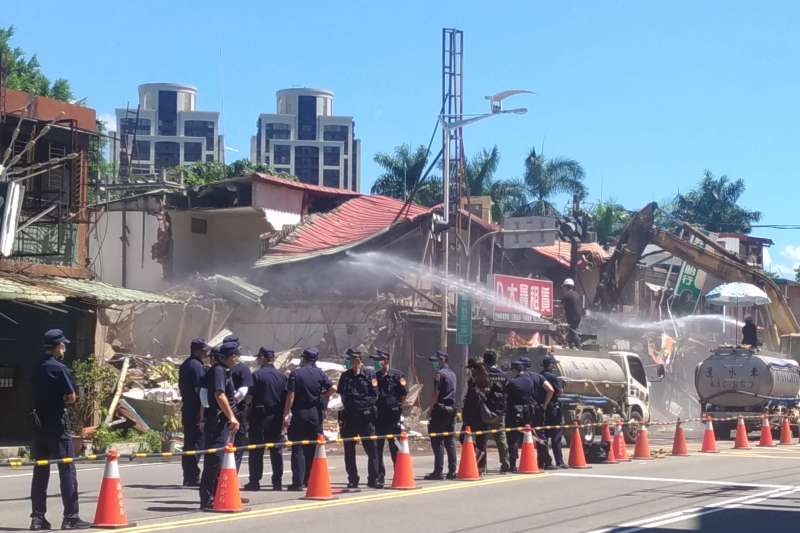 20190802-板橋大觀社區於1日順利拆除。(退輔會提供)