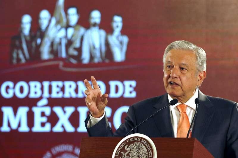 墨西哥總統歐布拉多上任後與記者關係緊張,記者常遭其支持者網路霸凌。(圖/美聯社)