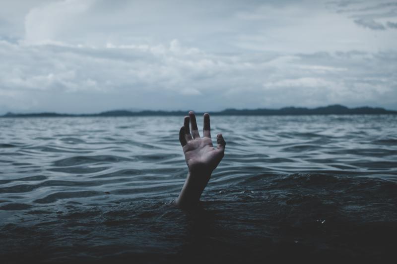 1981年外雙溪事件中,許多師生不幸溺斃,也留下不少恐怖都市傳說(圖/unsplash)
