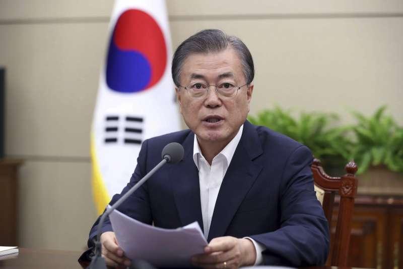 南韓總統文在寅5日表示,兩韓合作發展和平經濟將能超趕日本(美聯社)