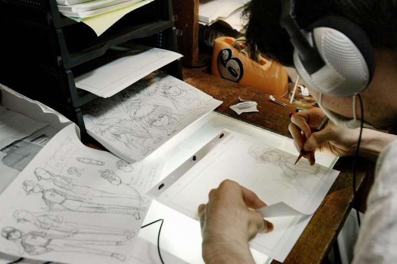 日本動畫業工時長、薪金低,長期人手短缺。