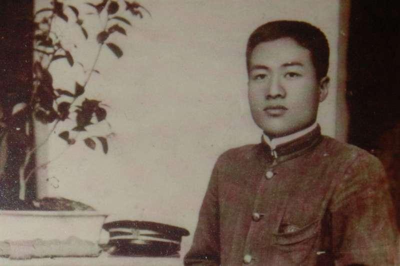 黃信介已逝世20週作者認為,黃信介這位「戰後台灣民主運動第一領導人」,似乎也該如同日治時期台灣「政治社會運動第一指導者」的蔣渭水一樣,受到國人同胞不分黨派共同的尊敬與懷念。圖為蔣渭水。(資料照,翻攝照片)