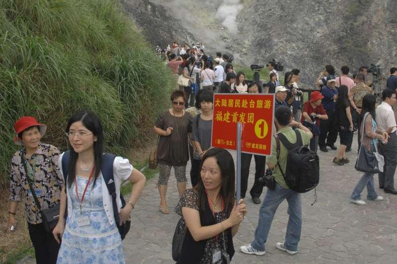 中國遊客一度讓台灣觀光產業蓬勃發展,卻也成為中國的外交工具與武器。(林瑞慶攝)