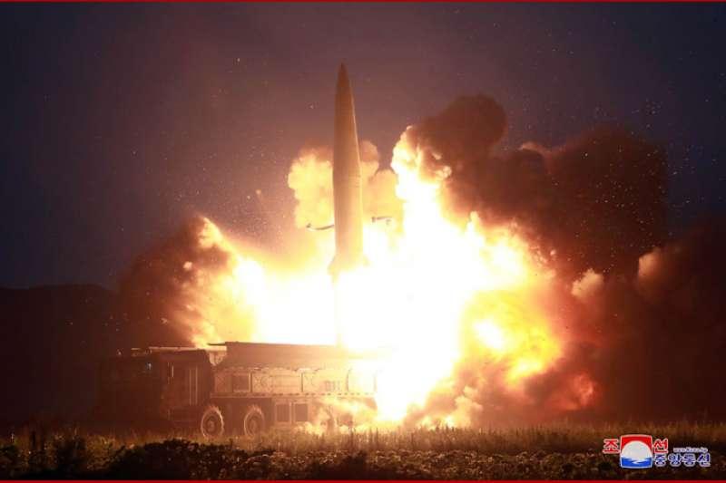 北韓成功試射KN-23(朝鮮版伊斯坎德爾飛彈)。(朝中社)