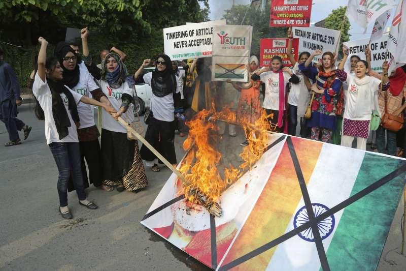 2019年8月,印度改變查謨─喀什米爾邦憲法地位,鄰國巴基斯坦強烈抗議(AP)