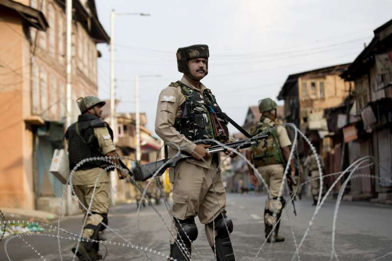 2019年8月,印度政府安全部隊大舉進駐查謨─喀什米爾邦(印屬喀什米爾)(美聯社)