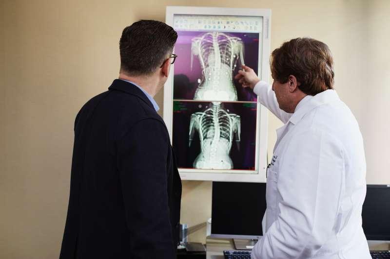 基因、生活習慣、環境污染以及醫師施作治療方式都可能影響「第二癌」發生(圖/Unsplash)