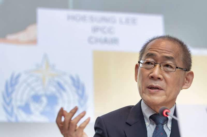 2019年8月8日,IPCC主席李會晟發表報告,指出全球暖化、氣候變遷正嚴重衝擊人類的土地利用、糧食生產(AP)