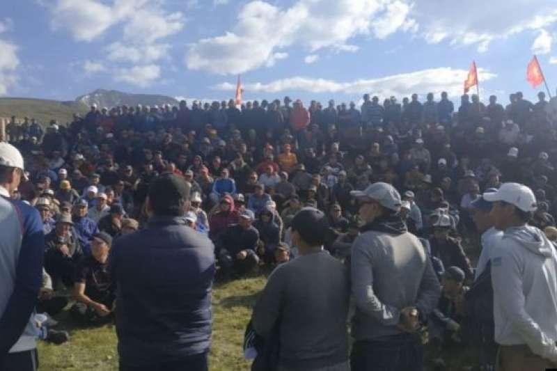 一場罕見的牧民與中國金礦工人的衝突,在中亞小國吉爾吉斯成為媒體焦點。(BBC中文網)