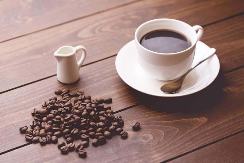 咖啡千萬別亂配藥吃啊!(圖/pakutaso)