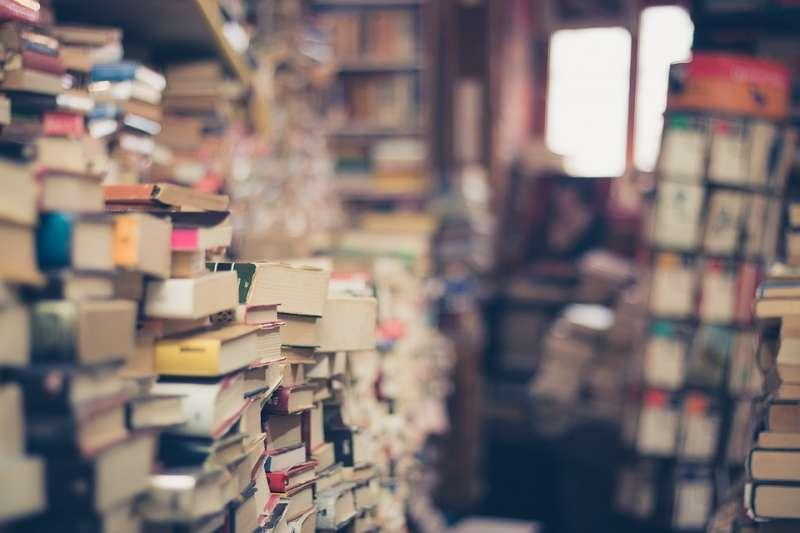 20190812-教育、書籍、書本、書店、藏書。示意圖。(取自EliFrancis@pixabay/CC0)