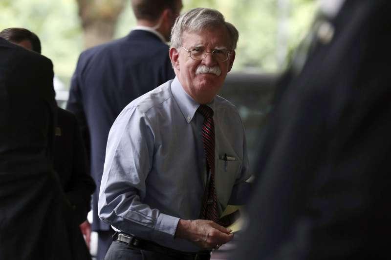 美國國安顧問、鷹派頭號戰將波頓(John Bolton)近來遭革職,國民黨立委許毓仁認為,波頓離開川普政府後,有5件事值得觀察。(資料照,AP)