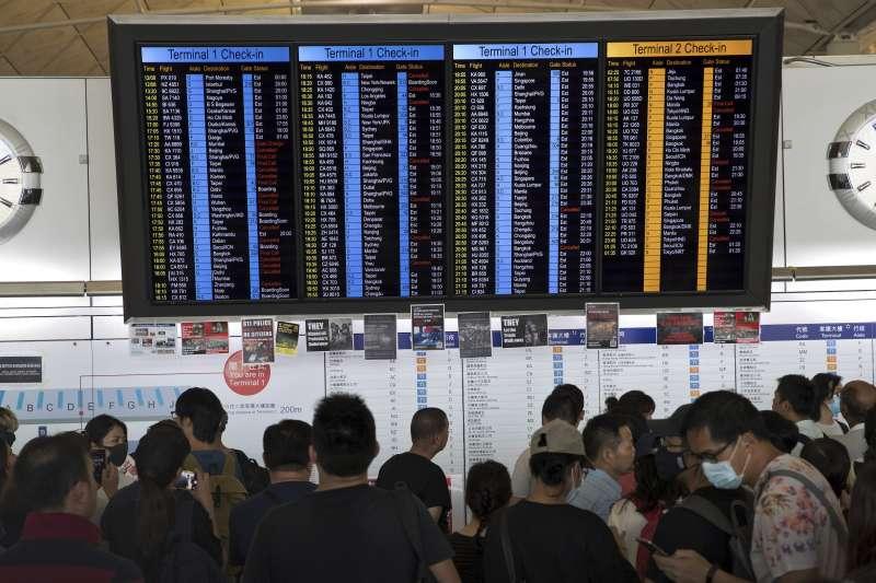 2019年8月13日,香港機場再度被反送中示威群眾佔領癱瘓(AP)