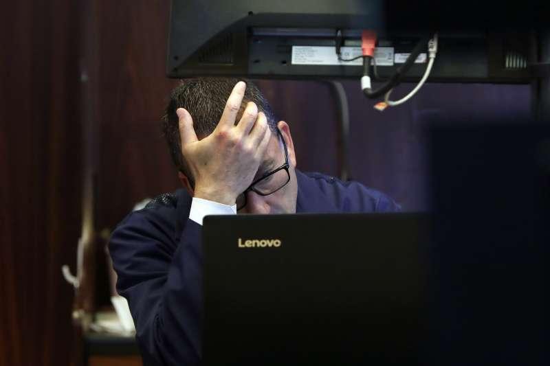 2020年當地時間1月27日,美股因武漢肺炎疫情加劇延燒而重挫(AP)