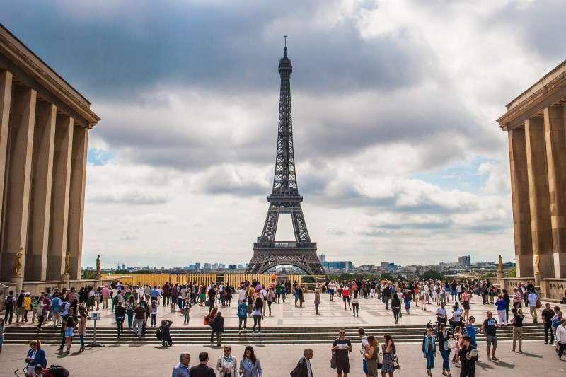 在巴黎,包包揹後面就不是你的了!(圖/pixabay)