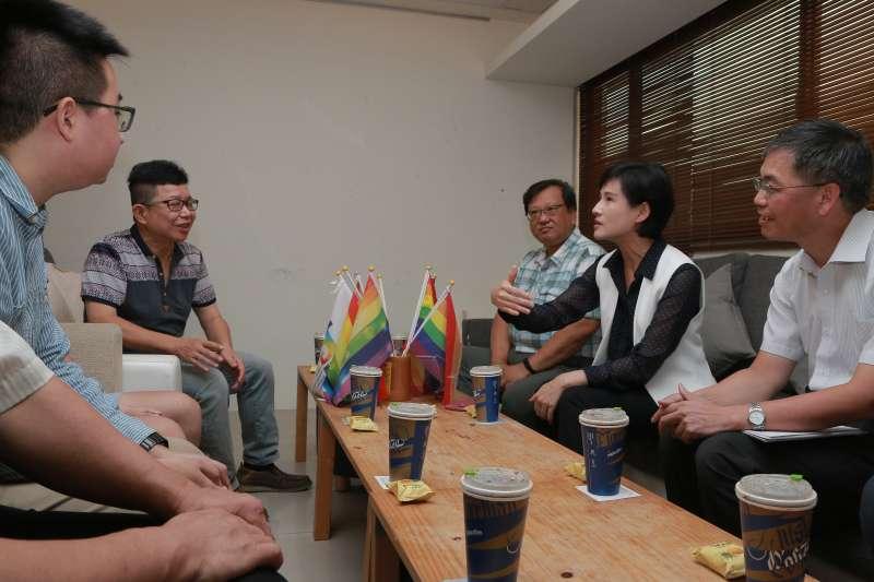 20190814文化部將於全國召開12場社區營造分區論壇。文化部長鄭麗君14日拜訪台灣基地協會,宣示論壇正式啟動。(文化部提供)