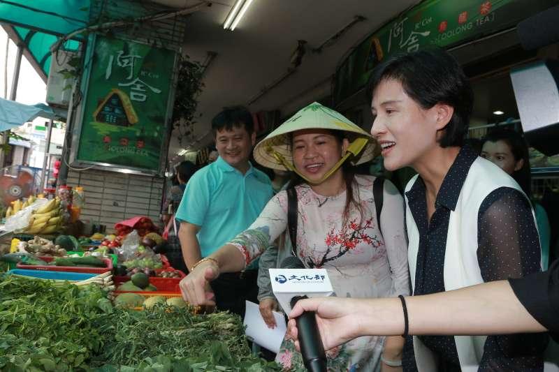 20190814文化部將於全國召開12場社區營造分區論壇。文化部長鄭麗君14日拜訪台灣新移民協會,宣示論壇正式啟動。(文化部提供)