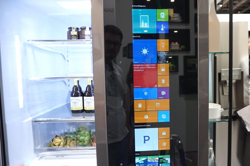 LG智慧冰箱可以上網(截自YouTube)