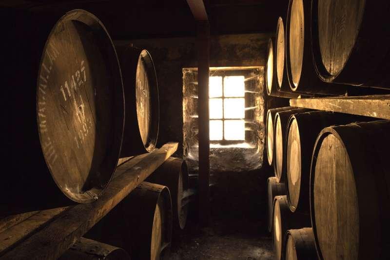 """放眼台灣威士忌市場,過去365天最火紅的關鍵字應是""""百分百雪莉桶""""無誤(圖 / 麥卡倫提供)"""