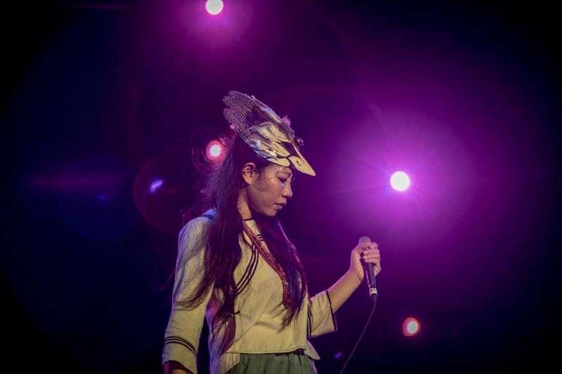 2019年「Pulima表演新藝站」演出的創作者之一幽法《aynuko》是本次演出節目中唯一以音樂為創作主體的作品,也是目前臺灣唯一一組將電子音樂結合原住民傳統音樂的音樂創作工作者。 (圖/原文會提供)