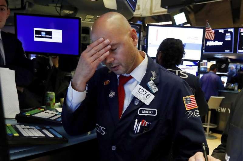 投資人增持ETF的趨勢顯著,引發推升股市泡沫化的疑慮。(美聯社)