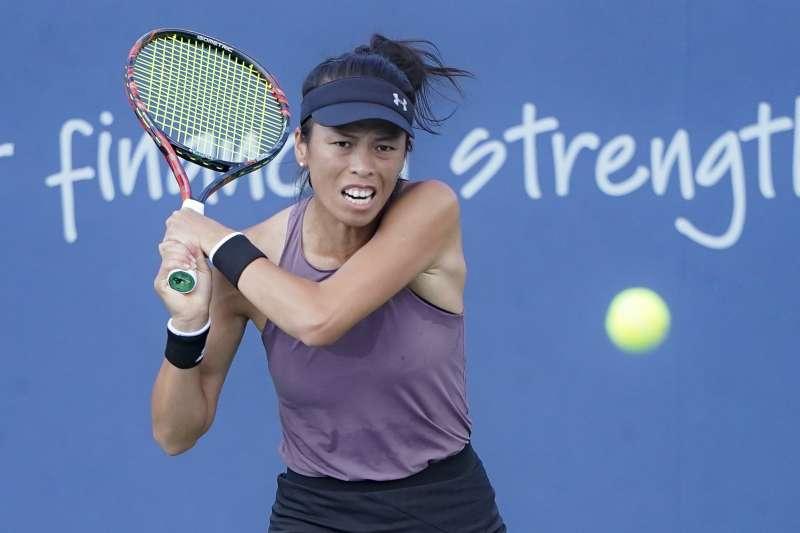 謝淑薇專打球后,泛太平洋女網賽逆轉蒙奎露薩晉級第二輪。(美聯社)