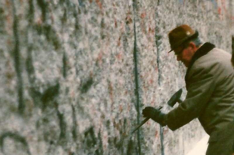 1989年11月的柏林圍牆( Skäpperöd@Wikipedia / CC BY-SA 3.0)