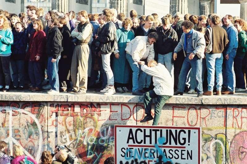 1989年11月的柏林圍牆( Sue Ream@Wikipedia / CC BY 3.0)