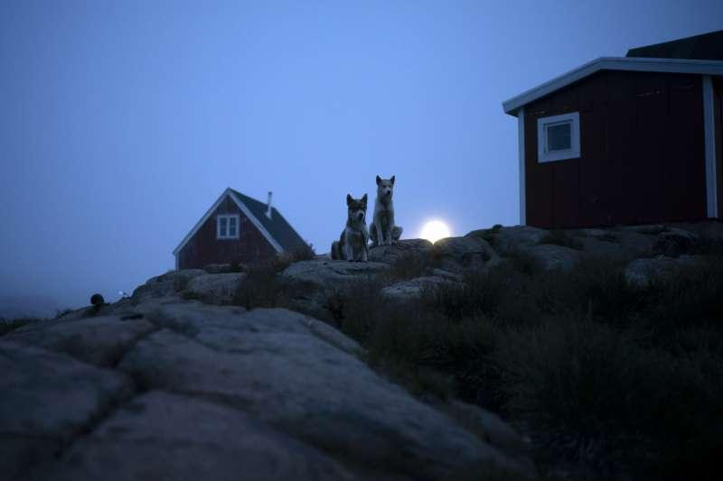 位於北極圈的世界第一大島格陵蘭(Greenland),冰川正快速消融(AP)