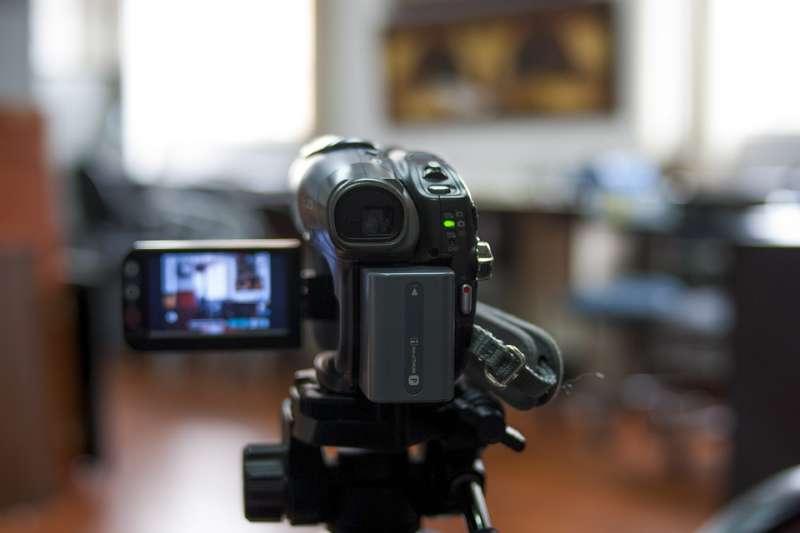 20190818-拍攝、電影、紀錄片、攝影機。示意圖。(取自fernandozhiminaicela@pixabay/CC0)