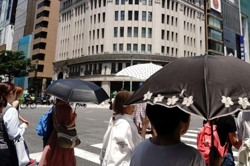 東京今夏酷熱難耐。(美聯社)