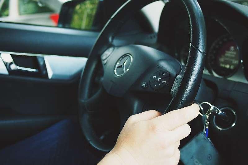 借朋友的車出去玩,回來卻GG了(示意圖/pixabay)