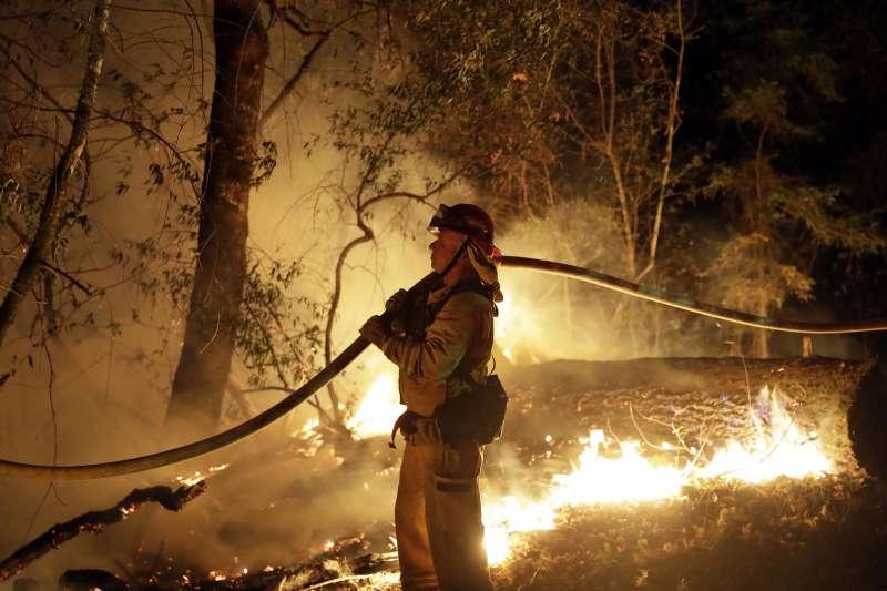 巴西逾7萬場森林大火肆虐,突破6年來紀錄。(AP)