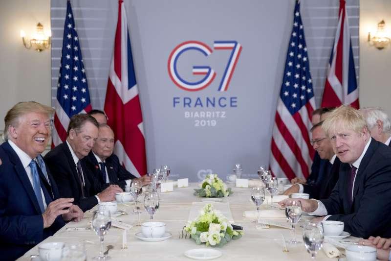 G7高峰會:美國總統川普與英國首相強森會談(AP)
