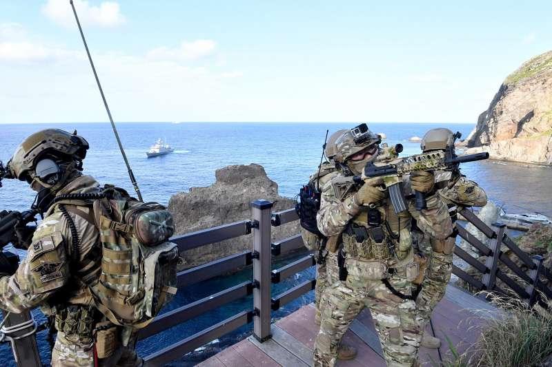 2019年8月25日,南韓海陸空三軍在獨島進行防禦演習(AP)