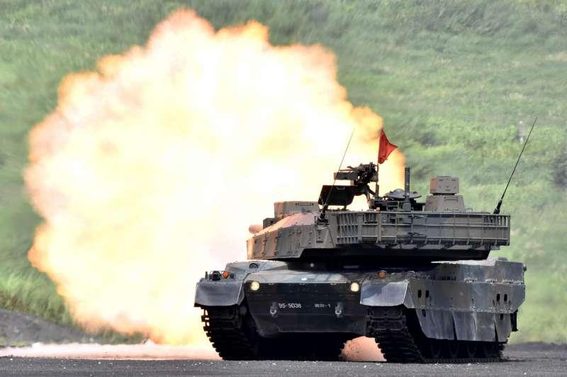 2019年8月25日,日本自衛隊舉行「富士綜合火力演習」(AP)