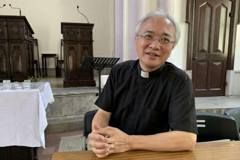 台灣基督長老教會濟南教會牧師黃春生接受專訪。(自由亞洲電台)