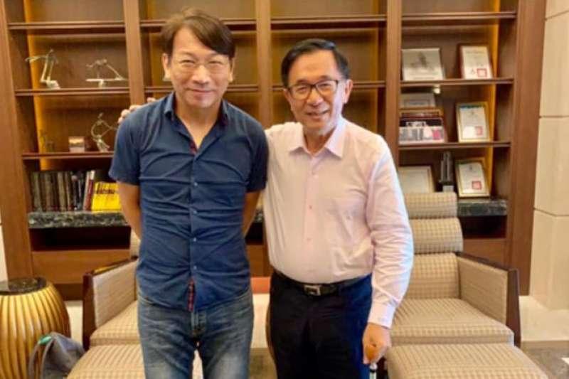 前總統陳水扁(右)今日會見來訪的時代力量新任黨主席徐永明(左)等一行人。(扁聯會提供)