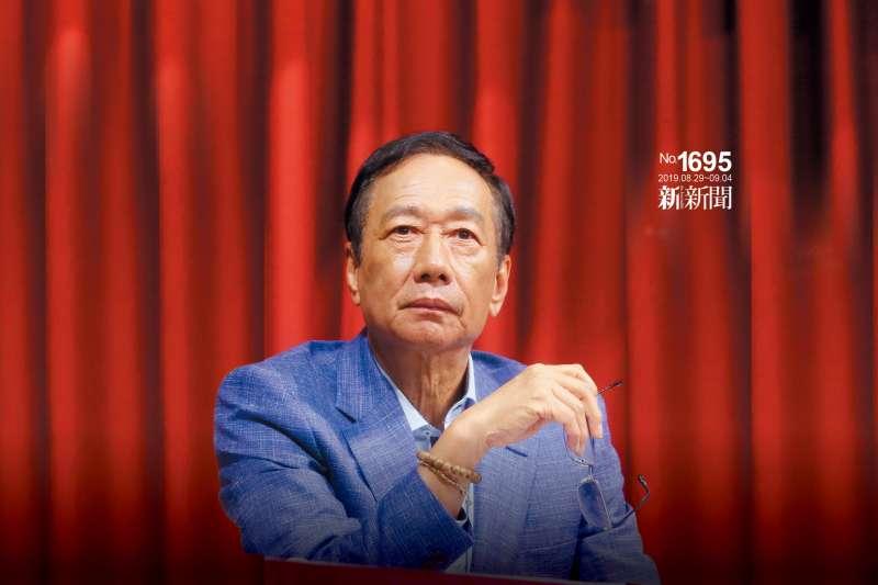 韓民調重挫激勵主戰派,郭柯王成功合體與藍綠一搏。