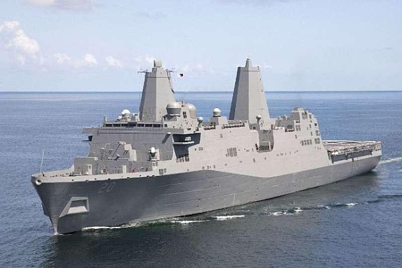 美軍現役「綠灣號」船塢登陸艦。(圖片取自美國第七艦隊)