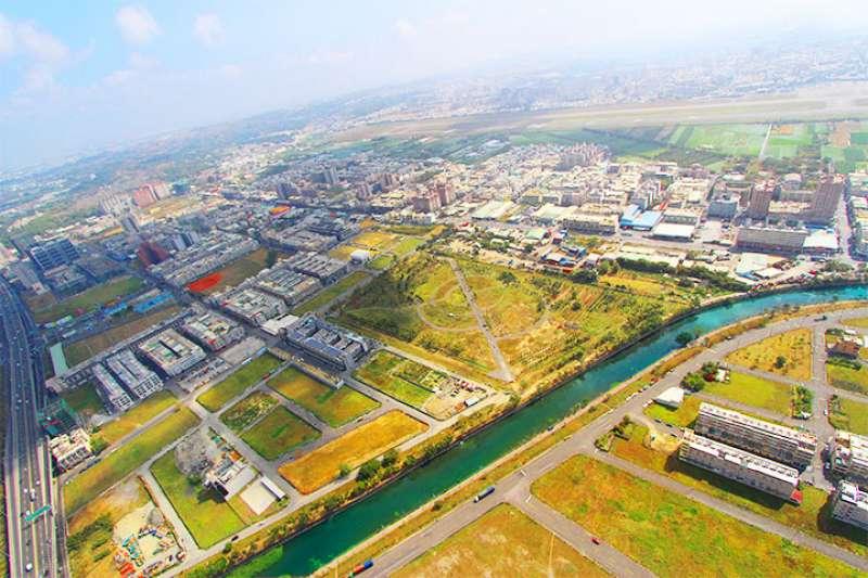 韓市府賣的土地,幾乎都是陳菊任內留下來的抵費地「祖產」。(翻攝自高雄市地政局網站)
