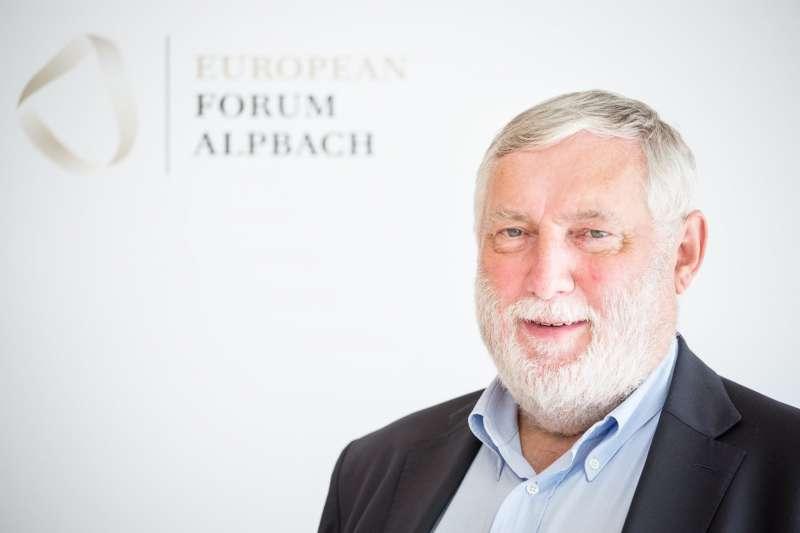前歐盟農漁業與鄉村發展執行委員法蘭茲•費雪勒(Franz Fischler)將來台剖析氣候變遷如何衝擊全球農漁業發展。(龍應台文化基金會提供)