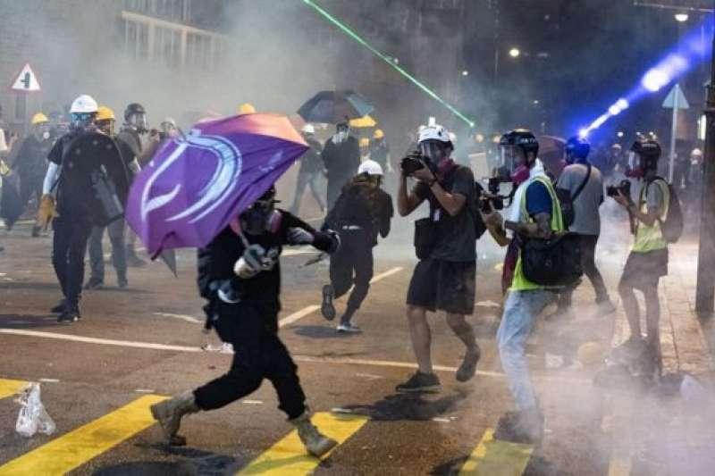 由《逃犯條例》修訂引發的示威浪潮至今已經發展了超過兩個月。(BBC中文網)