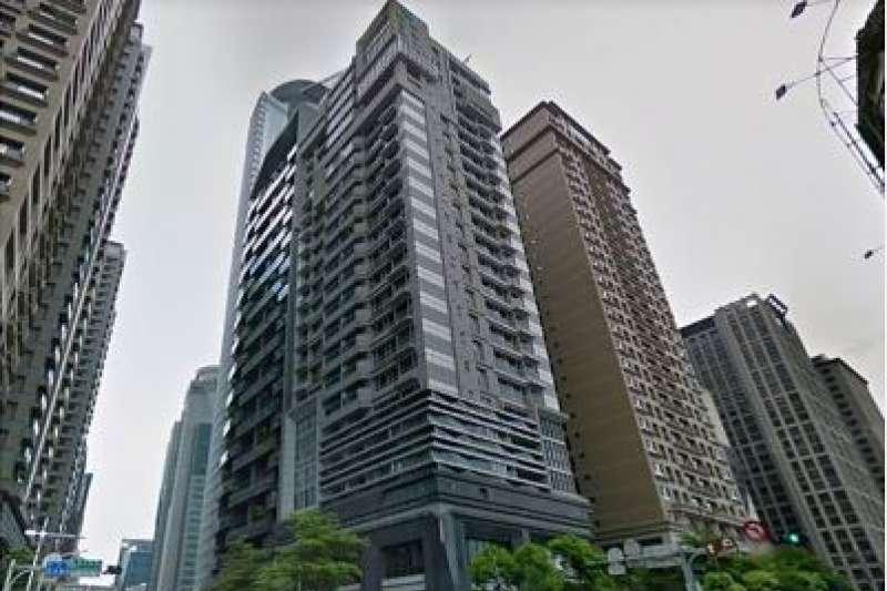 板橋區不同類型房子,因湧入的投資者不同,故在成交價也出現不同走勢。(圖為新都廳)